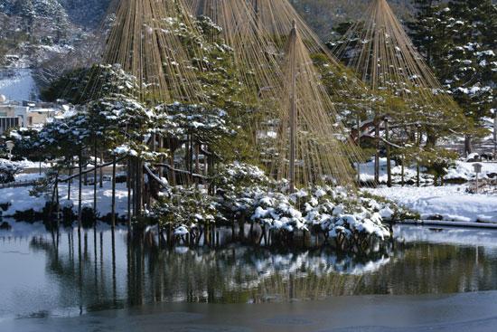 雪の兼六園(2)_c0093046_755225.jpg