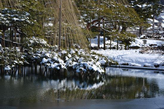 雪の兼六園(2)_c0093046_76735.jpg