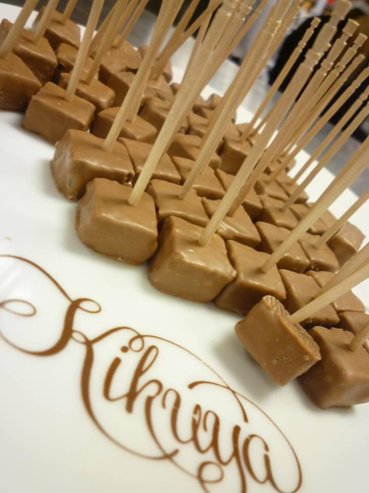 """Van Dender+お菓子の菊家(KIKUYA)@ Amour du Chocolat!""""*・。o☆*☆*†~꒰ღ˘◡˘ற꒱✯*☪*:・゚_a0053662_1732656.jpg"""