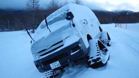 雪上車のスタック_e0120896_14325187.jpg