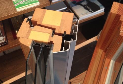 窓の性能:Uw1.0W/m2K以下の木製サッシ_e0054299_14321593.jpg