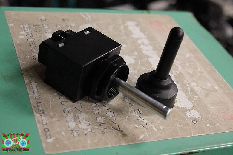 ヤマハ YT1190E スイッチ交換とベアリング交換ですが・・・。その1_e0126901_104212.jpg