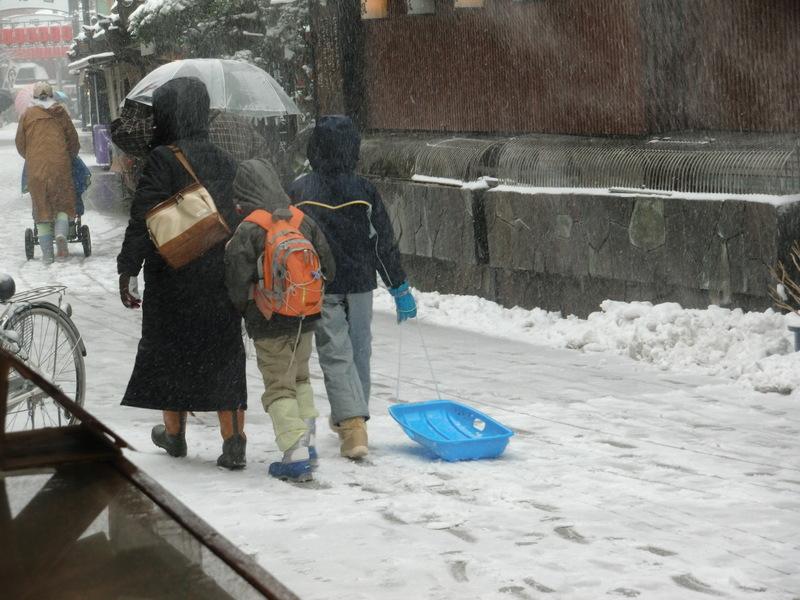2月9日」雪の明日の都知事選_d0278912_0184896.jpg