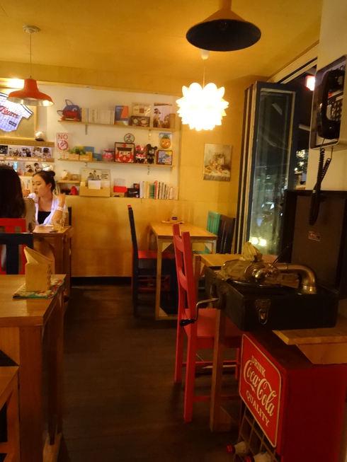 9月 ソウル旅行 その7 清潭洞で美味しいキャロットケーキ♪JIYUGAOKA 8丁目♪_f0054260_834271.jpg