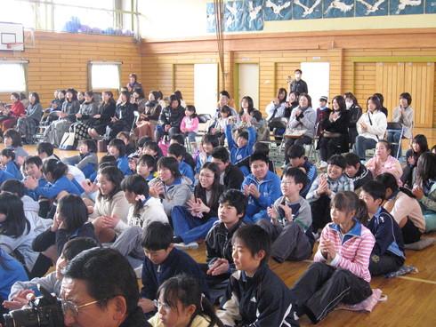 学校内「子供達の為の音楽会」受付の始まり_a0310968_15573892.jpg