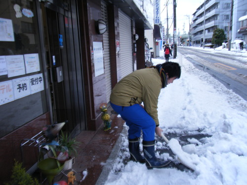 雪かき_c0231772_17592323.jpg