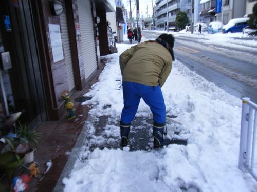 雪かき_c0231772_17594795.jpg