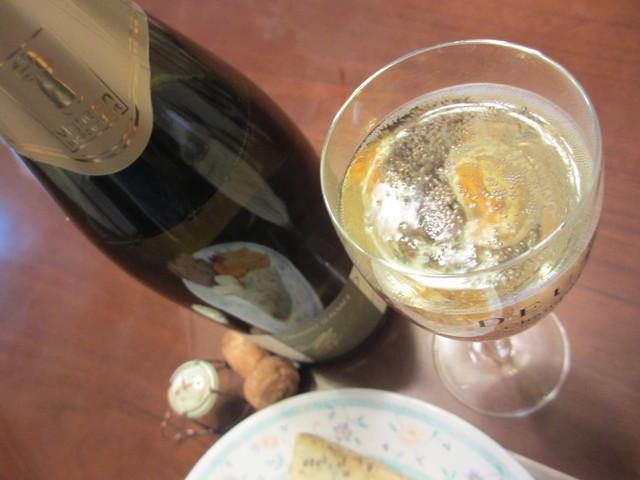 クレマン・ド・アルザスとsmelly cheeseはオヤツ♪_c0212604_21143515.jpg
