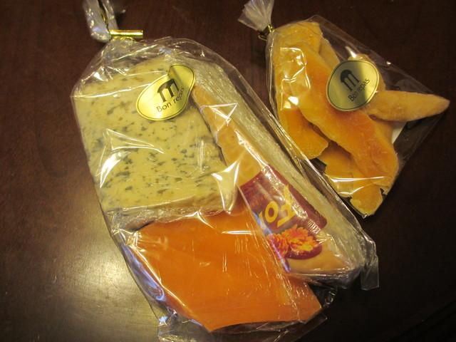 クレマン・ド・アルザスとsmelly cheeseはオヤツ♪_c0212604_2116366.jpg