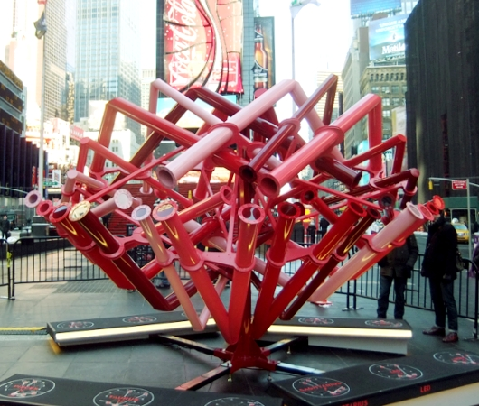 NYのタイムズスクエアに、相性診断できるアート作品「マッチ・メーカー」登場中_b0007805_14124185.jpg