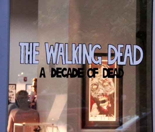 NYの街角では、ゾンビのドッキリにもご注意ください:) The Walking Dead Zombies Prank NYC _b0007805_1458051.jpg