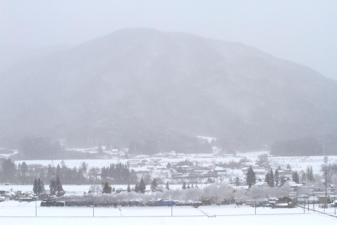 雪が降る座敷童子の里を汽車が走る - 2014年冬・釜石試運転 -  _b0190710_15495074.jpg
