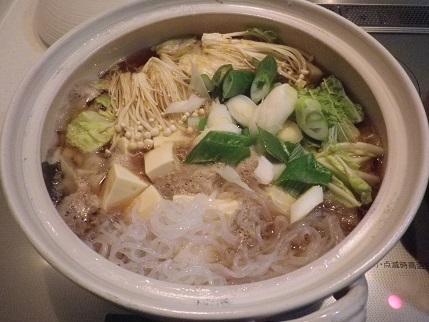 昨日は有休。夜は鍋に餃子を・・・。_a0139242_7435485.jpg