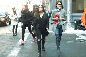 NYファッション・ウィーク開催中の街角には、お洒落な方々がいっぱい_b0007805_11534556.jpg