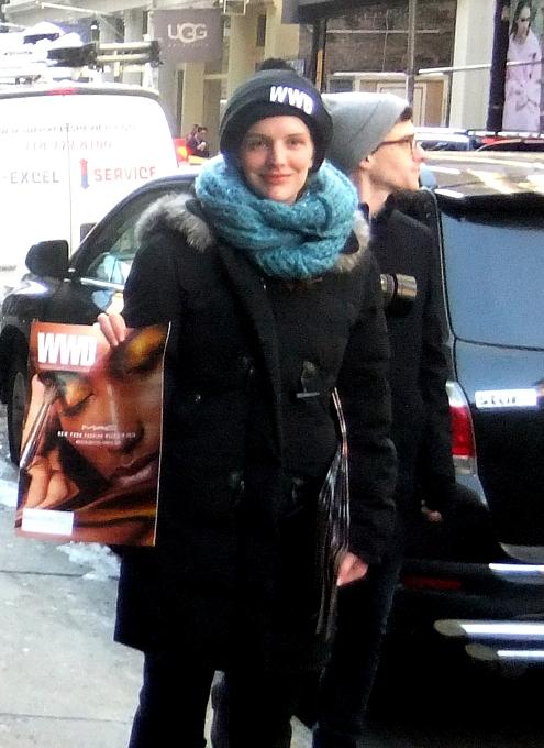 NYファッション・ウィーク開催中の街角には、お洒落な方々がいっぱい_b0007805_11544935.jpg