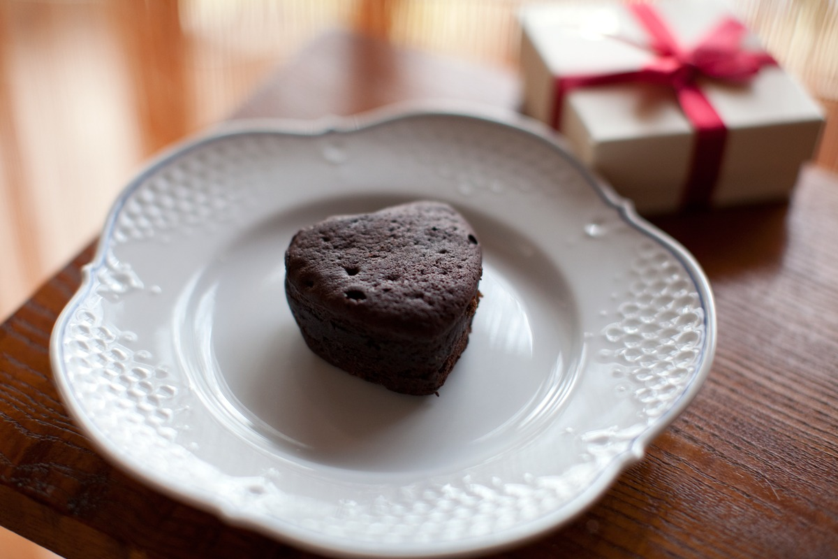小さなチョコレートケーキ_e0048332_1444366.jpg