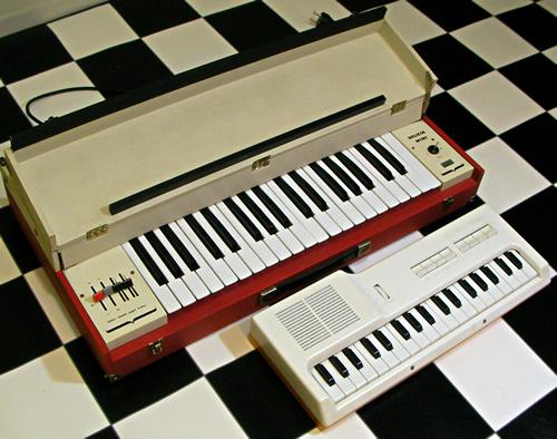 Delicia Mini & USSR mini organ_e0045459_2352769.jpg