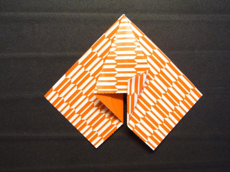 折り紙の動くハート cuore che batte ♡ Origami Ⅺ_b0246303_06345490.jpg