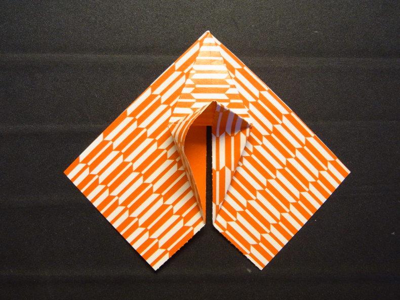 折り紙の動くハート cuore che batte ♡ Origami Ⅺ_b0246303_06433793.jpg