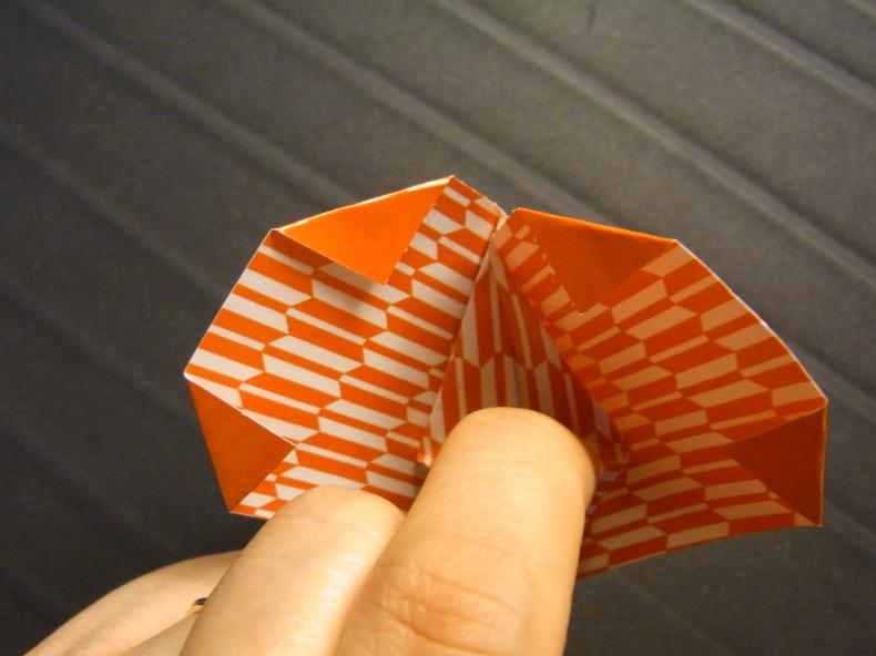 折り紙の動くハート cuore che batte ♡ Origami Ⅺ_b0246303_06463513.jpg