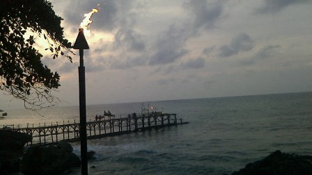 インド洋を見ながら_a0155408_21111840.jpg