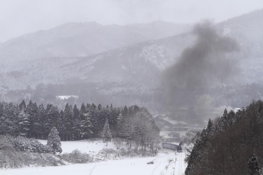 雪と煙の風景 - 2014年冬・釜石線試運転 -  _b0190710_22324158.jpg