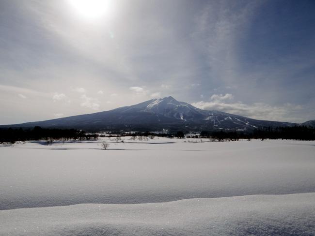 冬の岩木山ドライブ。遠くに観える権現崎や小さな丘の半鐘など♪_a0136293_1654546.jpg