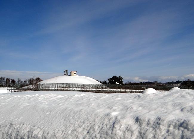 冬の岩木山ドライブ。遠くに観える権現崎や小さな丘の半鐘など♪_a0136293_1761947.jpg
