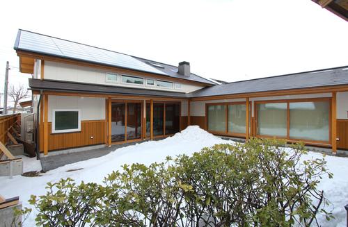 大窓8kW花園町の家:外観_e0054299_127960.jpg