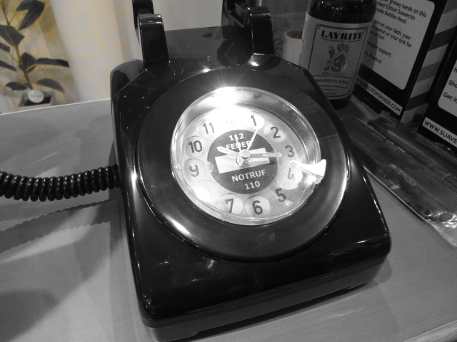 Phone? Alarm Clock_c0289919_18514168.jpg