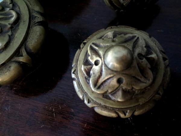 ブロンズ丸型戸棚のドア取っ手3、4_f0112550_18462149.jpg