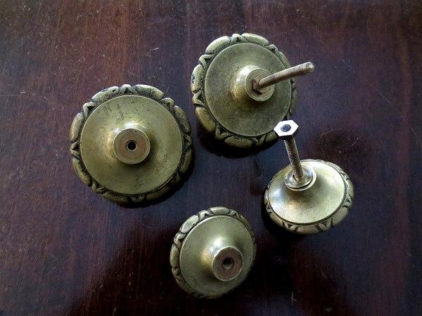 ブロンズ丸型戸棚のドア取っ手3、4_f0112550_18462250.jpg