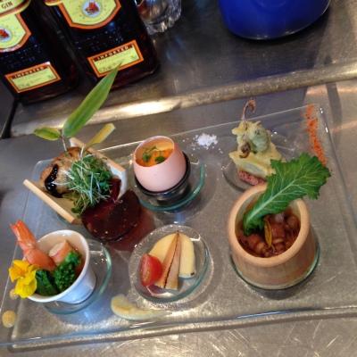 清太郎くん、試食をする。_e0120789_00091143.jpg