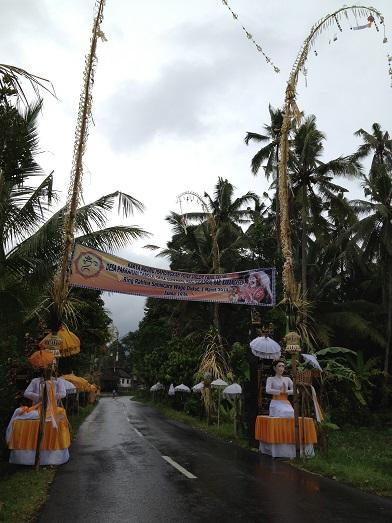 シドゥメン村のプラ・ダラム・カンギンで祭事が行われます_a0120328_9263482.jpg