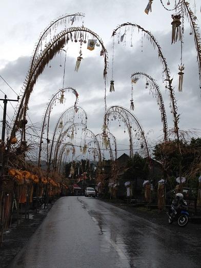 シドゥメン村のプラ・ダラム・カンギンで祭事が行われます_a0120328_9274043.jpg