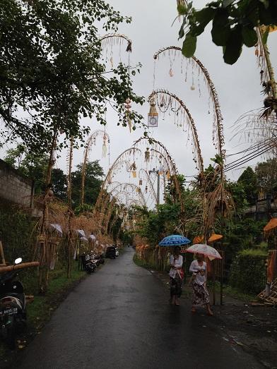 シドゥメン村のプラ・ダラム・カンギンで祭事が行われます_a0120328_92852.jpg
