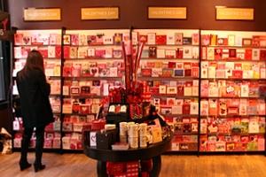 NYのバレンタインならではのお店のディスプレイいろいろ_b0007805_1150451.jpg