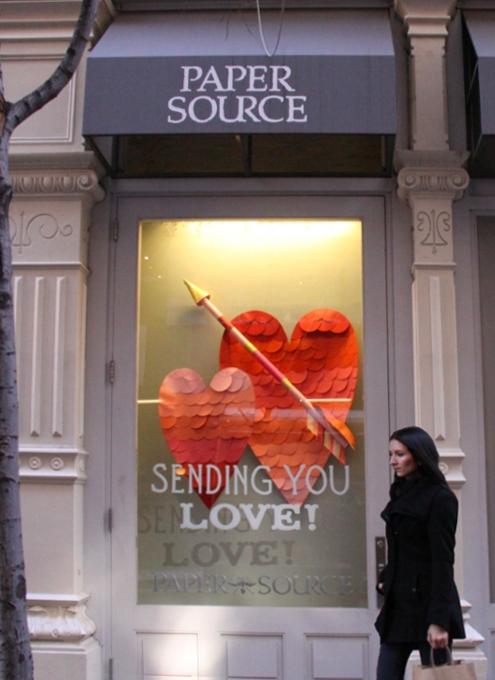 NYのバレンタインならではのお店のディスプレイいろいろ_b0007805_11531151.jpg