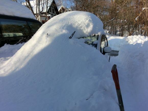 大雪3日目「もう少し!」_f0019247_18371880.jpg