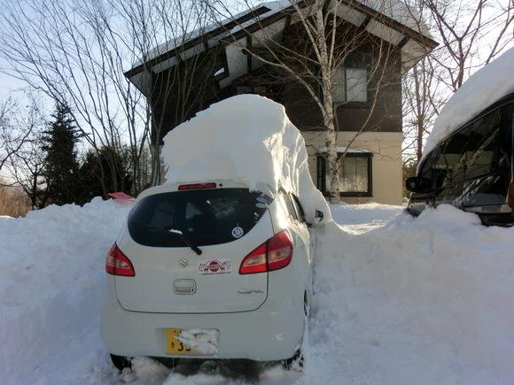 大雪3日目「もう少し!」_f0019247_1841314.jpg