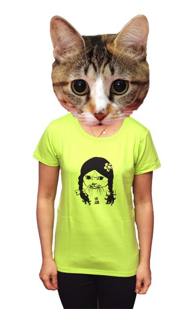猫、お気に入りのTシャツテント_a0028451_13165946.jpg