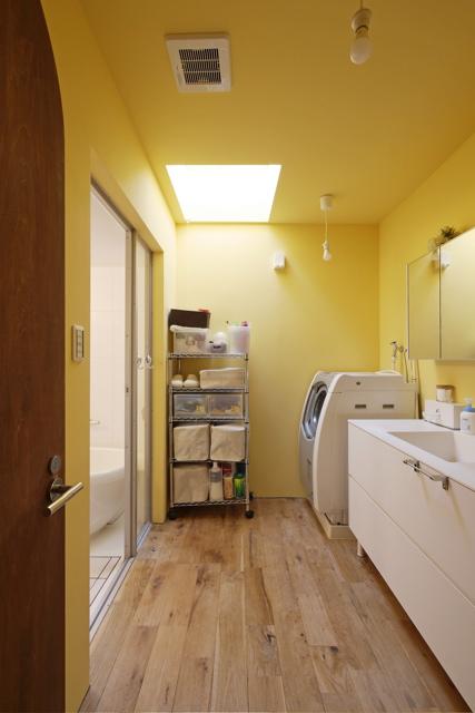 古家リノベーション 大阪/空堀の家/2階洗面室のようすです。_d0111714_21582899.jpg
