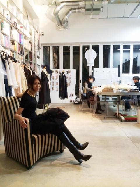 この春ファッションデザイナーとしてデビューします。その4_a0138976_239379.jpg