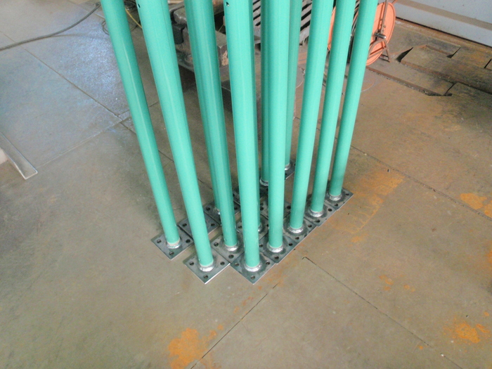 フェンス用支柱改造_a0210112_2013559.jpg
