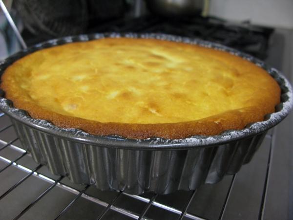 チーズケーキ(レモンピール入り)_f0129726_22244756.jpg