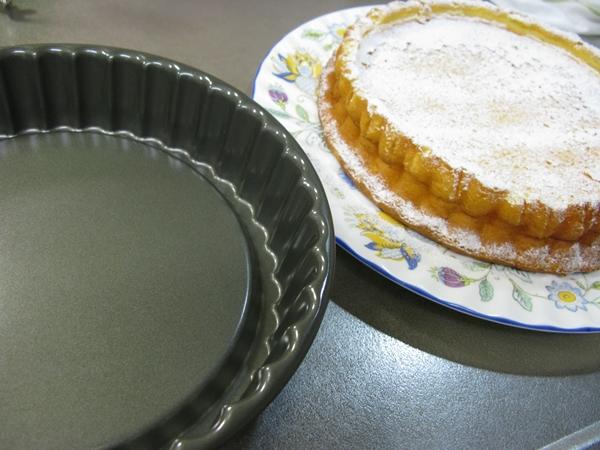 チーズケーキ(レモンピール入り)_f0129726_2236998.jpg