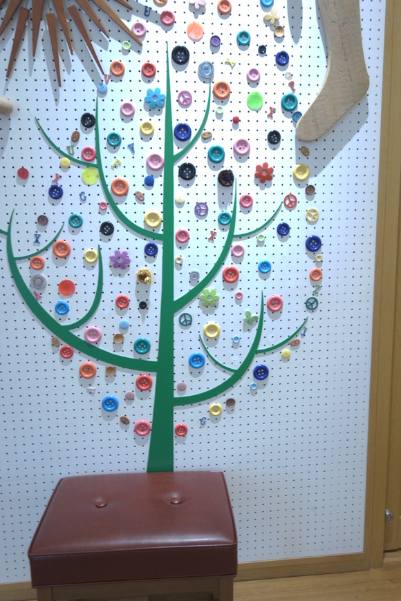 Button Tree_a0110787_19102852.jpg
