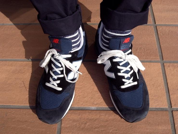 靴紐結び方スニーカー 長い