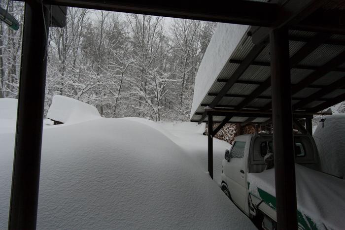 2/15 山梨県下記録的大雪、まさかここまで降るとは_c0137403_16213511.jpg