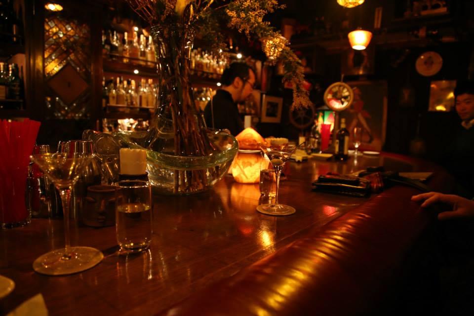 横浜レトロバー探検隊、バーについて考えるの巻_e0034141_1012819.jpg